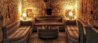 cave-bar-Petra